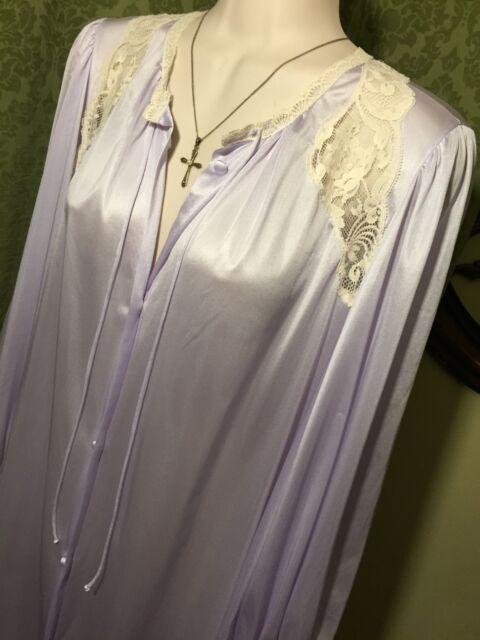 TRUE Vintage United Garment Workers Lavender & Lace Button Up Négligée Size S