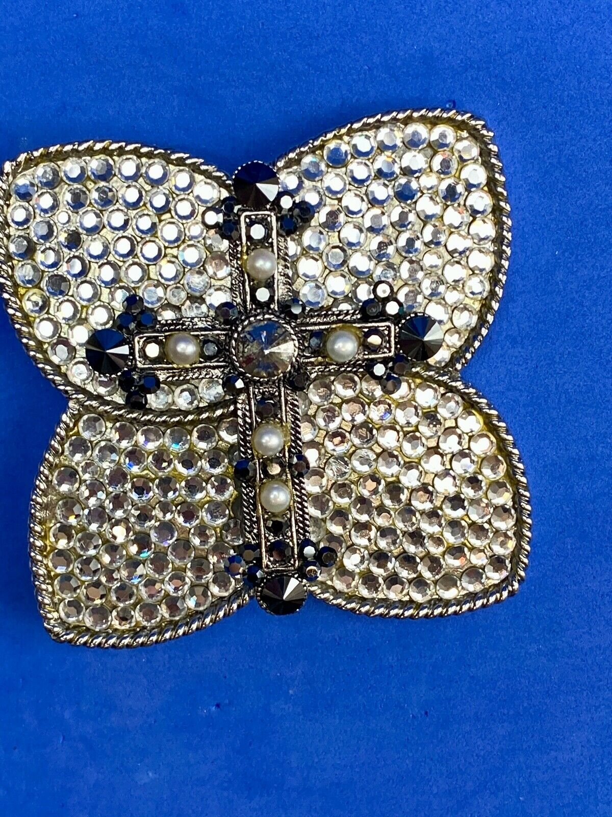 Cross on Butterfly Belt Buckle Silver Tone Braided Edges Pearl?