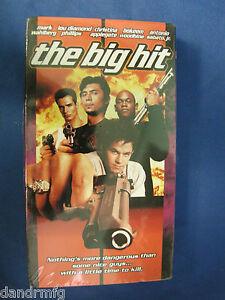 NEW-The-Big-Hit-VHS-1998-Closed-Captioned-043396024595