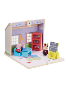 Peppa Pig Wood Play Schoolhouse