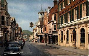 Guildford-Surrey-England-Color-AK-1964-gelaufen-Strassenpartie-High-Street-Autos