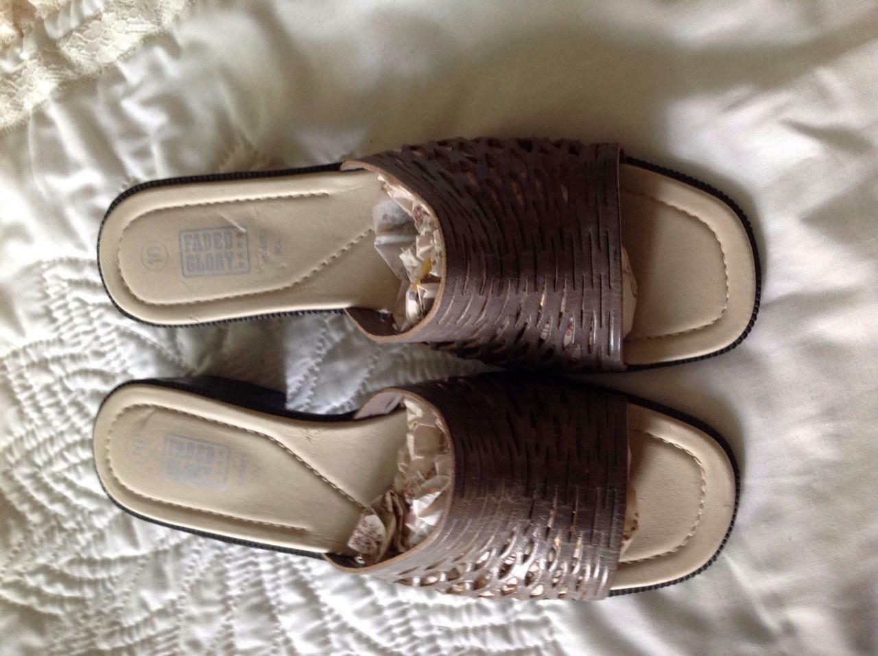 Faded Glory Gray Leather 10 Slip-on/Mules/Slides 1 3/4