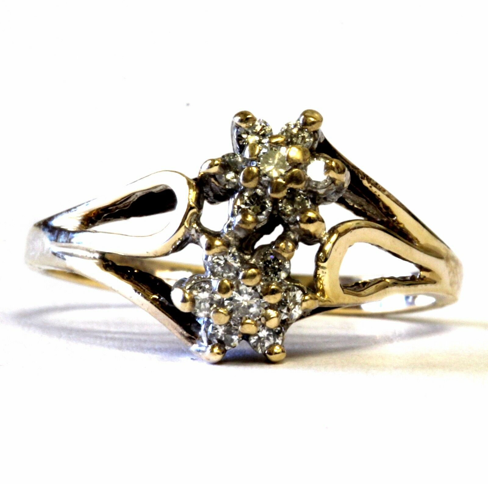 10k yellow gold womens .16ct SI1 H round diamond cluster flower ring 2.6g estate