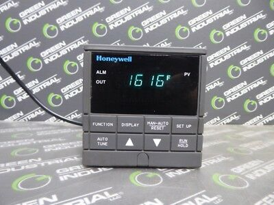 USED Barber-Colman 2404 Temperature Controller CC//VH//H2