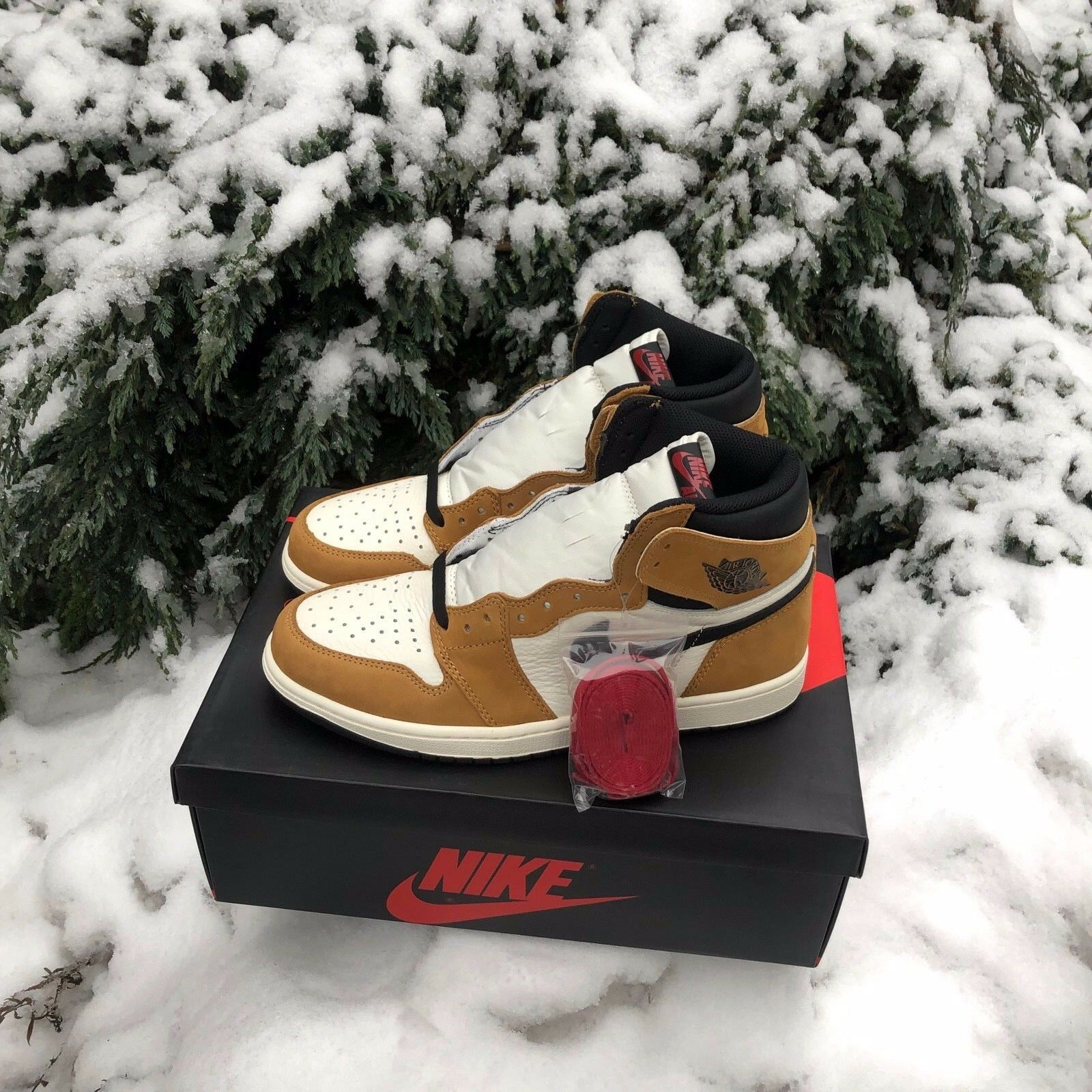 Nike Air Jordan 1 Retro High OG ROOKIE OF THE YEAR golden Harvest DS 555088-700