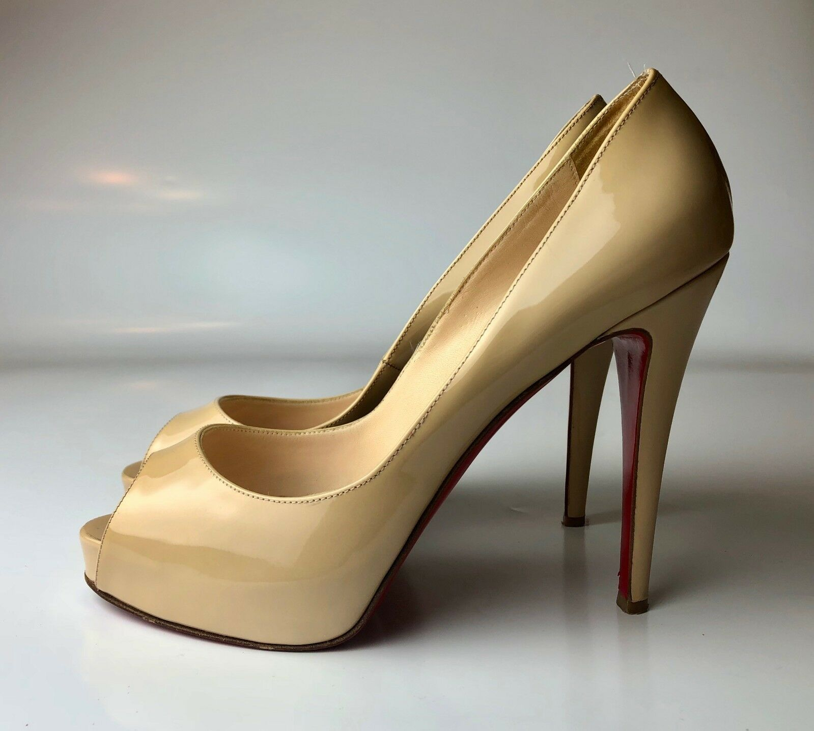 Christian Christian Christian Louboutin Very Prive 120 Cream Nude Patent Platform Pumps Euro 38.5 2a773b