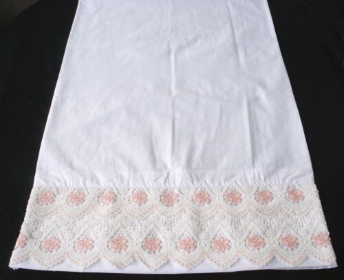 S1 New White Cotton Sateen Embroidered Lace PillowCases  Standard Queen King Pr