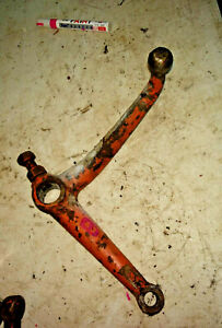 Allis-Chalmers-B-Tractor-top-steering-spindle-arm-bracket-part-AC-B-wide-front