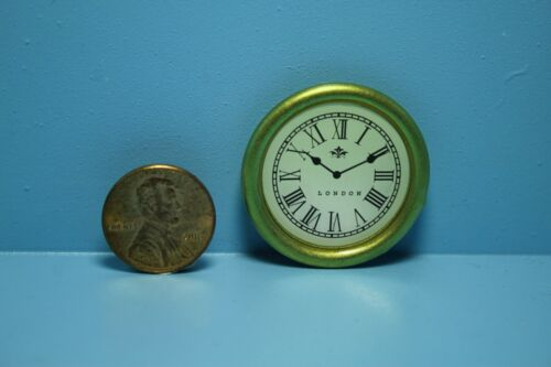 Dollhouse Miniature Wall Clock with Roman Numerals in Gold ~ G7009