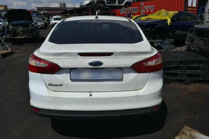 Ford Focus sedan stripping for spares - MOTOR CITY SPARES