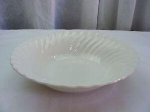Vintage-Sheffield-Bone-White-USA-Swirl-Pattern-Serving-Vegetable-Bowl-Marked