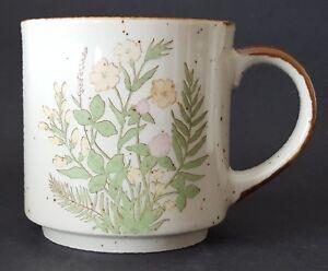 Vintage-Stoneware-Coffee-Mug-Made-in-Japan-Flowers-Ferns