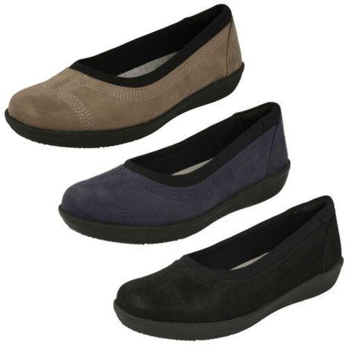 Damen Damen Damen Clarks Wolken Stepper Flache Schuhe - Ayla Niedrig cca4a5