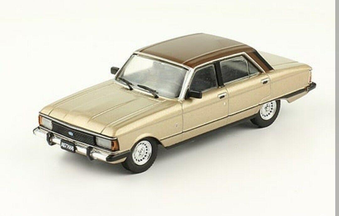 Ford Falcon Ghia (1982) Diecast Diecast Diecast 1 43 silverina Modern Cars 80 90 w Magazine 2cae4a