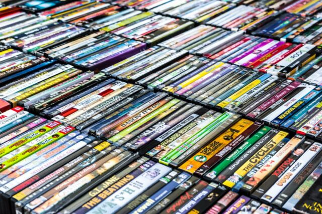 Used Dvds For Sale >> Lots Of 25 Used Assorted Dvd Movies 25 Bulk Dvds Used Dvds Lot Wholesale Lots