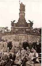 Echtfotopostkarte Niederwalddenkmal Gruppe, 1950er Jahre