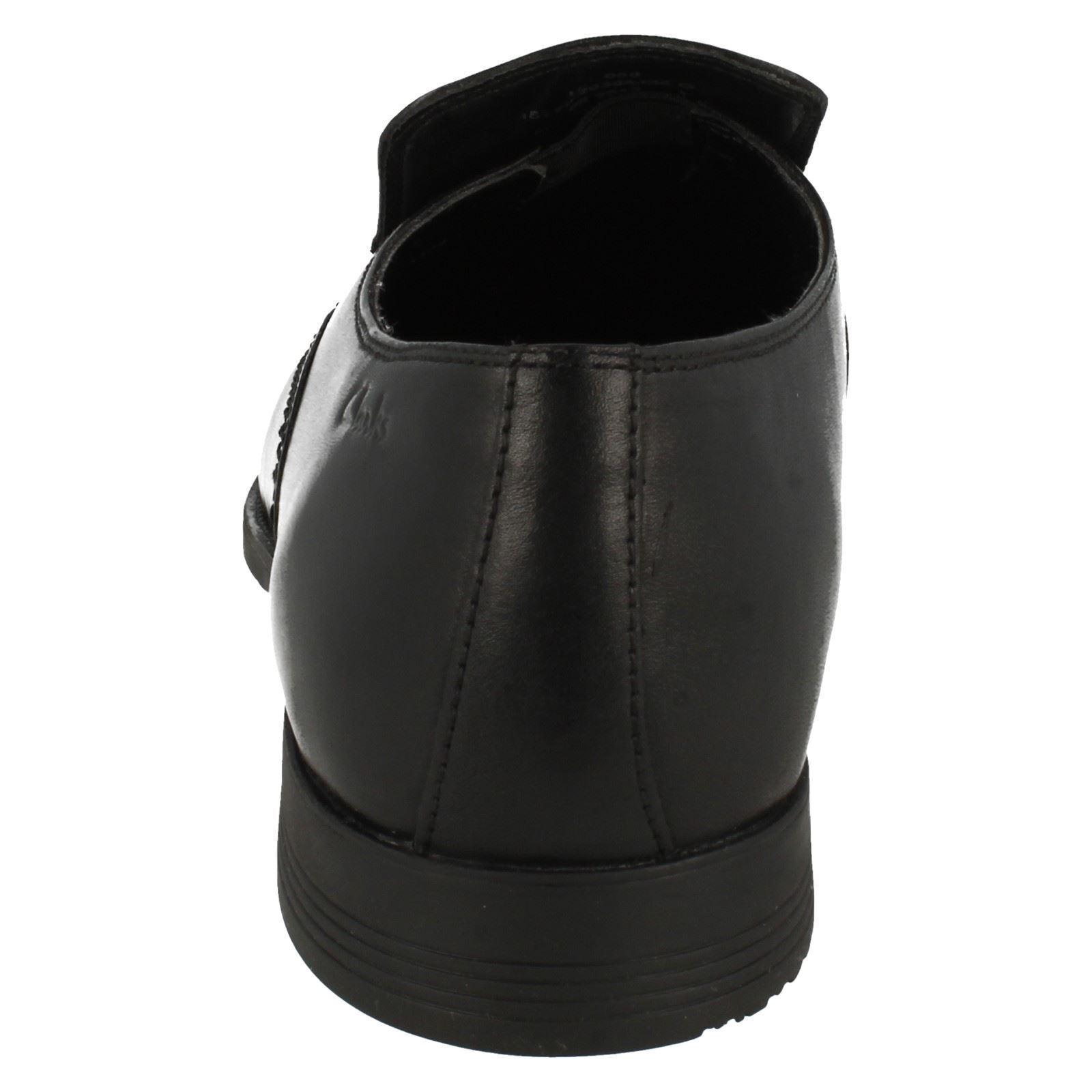 Acre Out Herren Clarks Formell ohne Bügel schwarzes Leder einfarbig Formell Clarks elegant a9f411