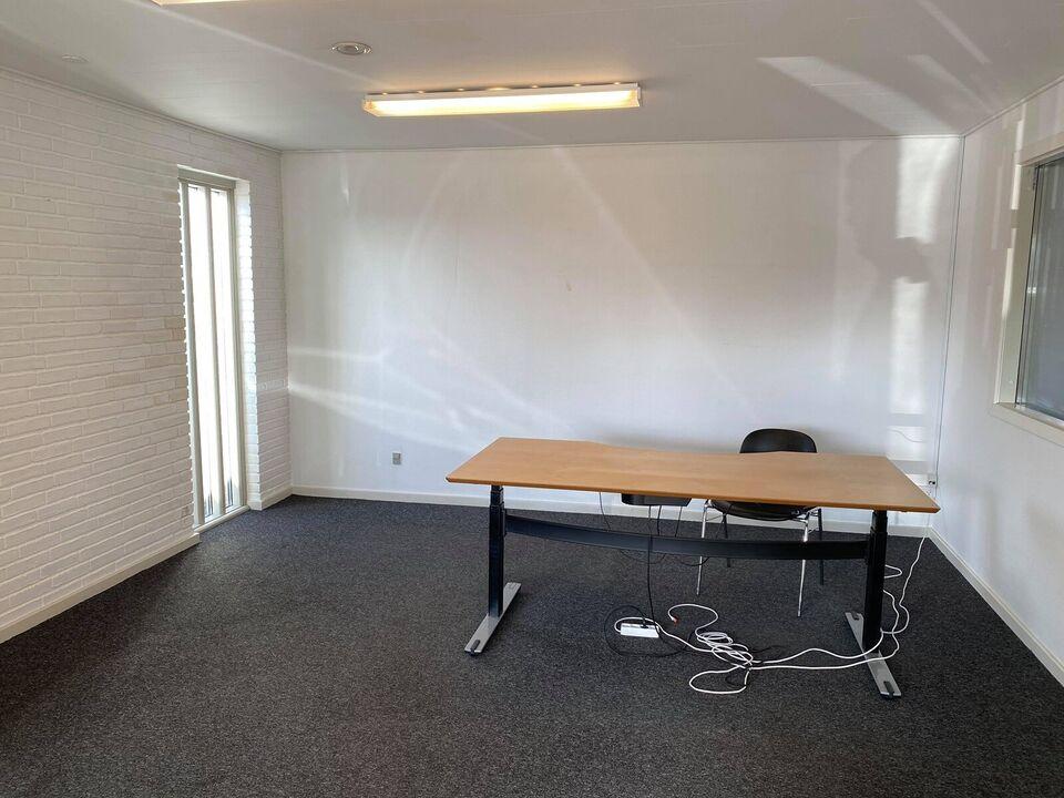 4600 kontor udlejes, etageareal kvm. 20, grundareal kvm.
