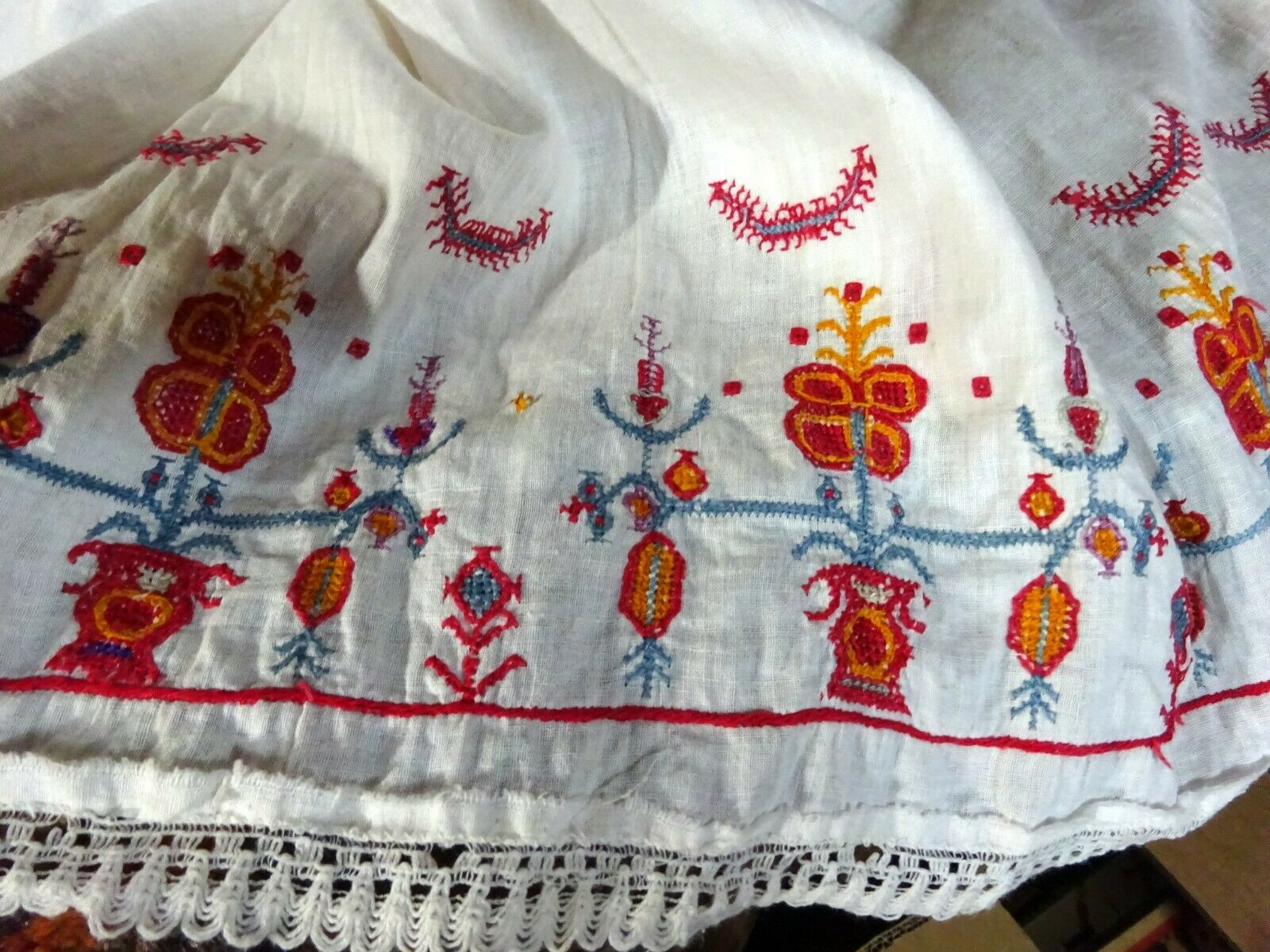 An Early 20th Century Greek Island Embroidery White Cotton Scarf Textile