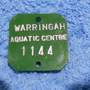 D476-WARRINGAH-AQUATIC-CENTRE-KEYRING-BADGE-1144