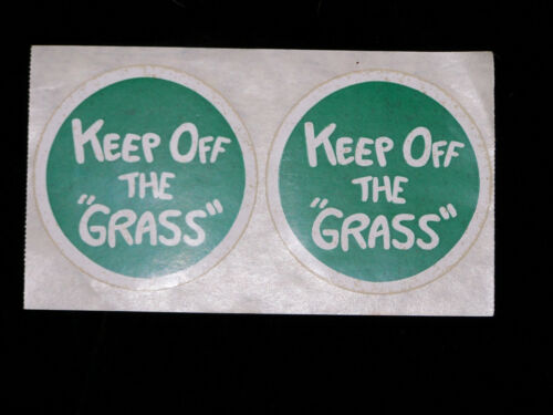 "70s-store Vintage and original /""Keep Off the Grass/"" Sticker vintage and original"