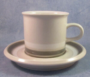 ARABIA-OF-FINLAND-Vintage-Salla-Coffee-Cup-amp-Saucer-Excellent