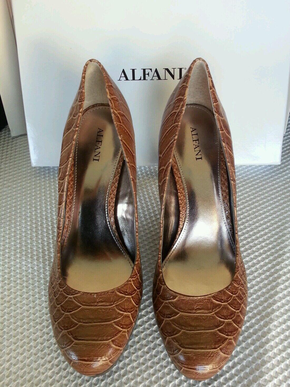 Alfani NEW Maddy Braun Embossed Platform Pumps Heels Schuhes Größe 9.5 M