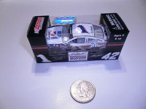 2013-1-64-Jamie-McMurray-1-CESSNA-NASCAR-SALUTES-Diecast-Car-NASCAR