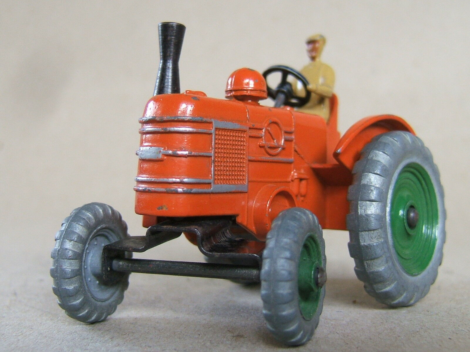 MECCANO DINKY TOYS FIELD MARSHALL TRACTEUR Nº 301 de 1954, jantes vert, RARE