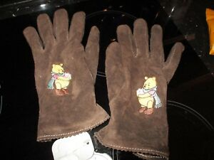 e0d432a6cdc5 DISNEY STORE WINNIE THE POOH BROWN SUEDE LADIES GLOVES L BRAND NEW ...