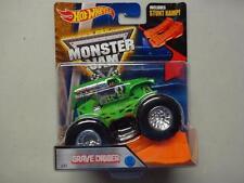 2016 Hot Wheels Monster Jam Truck Grave Digger #33 with Stunt Ramp
