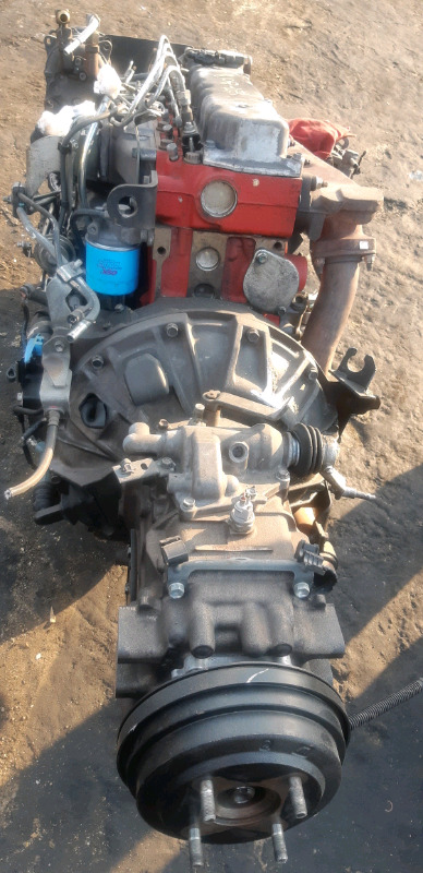 Toyota Dyna engines and gearboxes in store