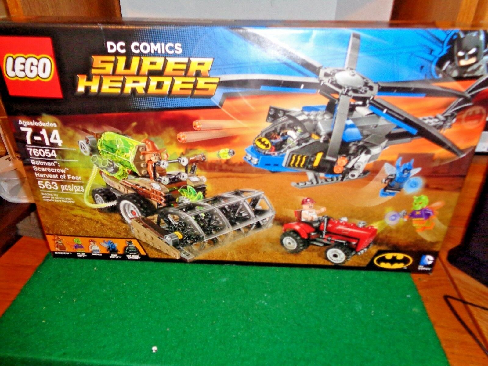 Lego DC Comics Super Heroes Batman Scarecrow Harvest  of Fear Set 76054 - 563
