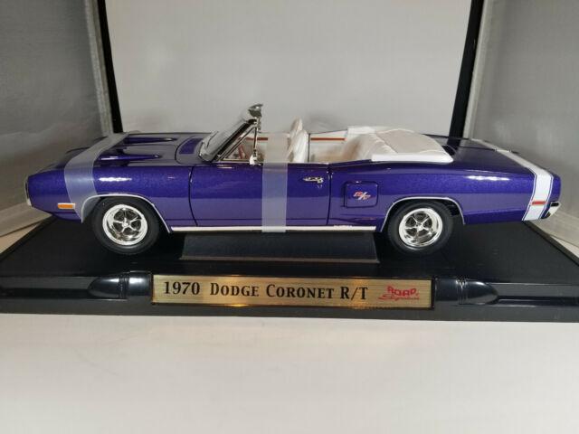 1970 Dodge Coronet R/T. Road Signature 1:18. Used, excellent.