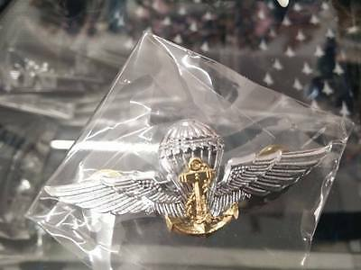 Royal Thai Navy Parachutist Metal Wings Badge Parachute Metal Lot of 4 Pin