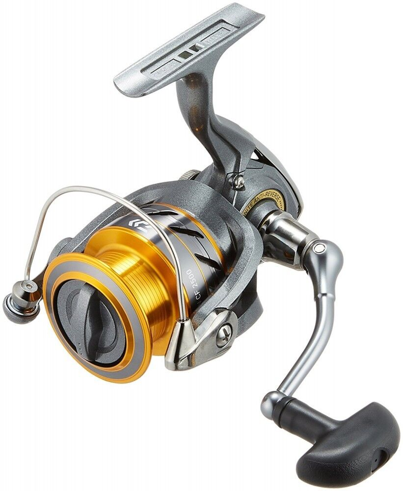 Daiwa Spinning Reel 17 World Spin CF 2500  For Fishing From Japan  40% off