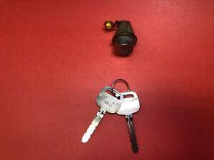 1997-2001 TOYOTA CAMRY PASSENGER FRONT RIGHT DOOR LOCK CYLINDER 2 KEYS USED OEM!