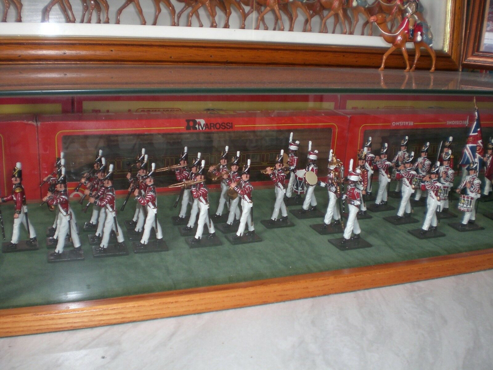 A COMPLETE BRITISH BAND OF THE COLDSREAM GUARDS 1815 BY BRITIANS.