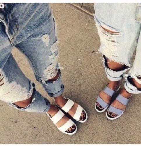 Carmar Boyfriend Jeans Distressed Denim 27 Ripped LF Stores