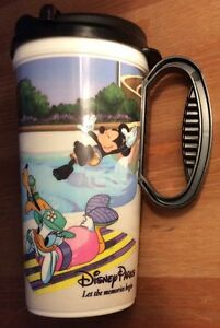Black-Walt-Disney-World-Resorts-Mug-2012-cup-Mickey-Mouse-Minnie-Donald-Goofy