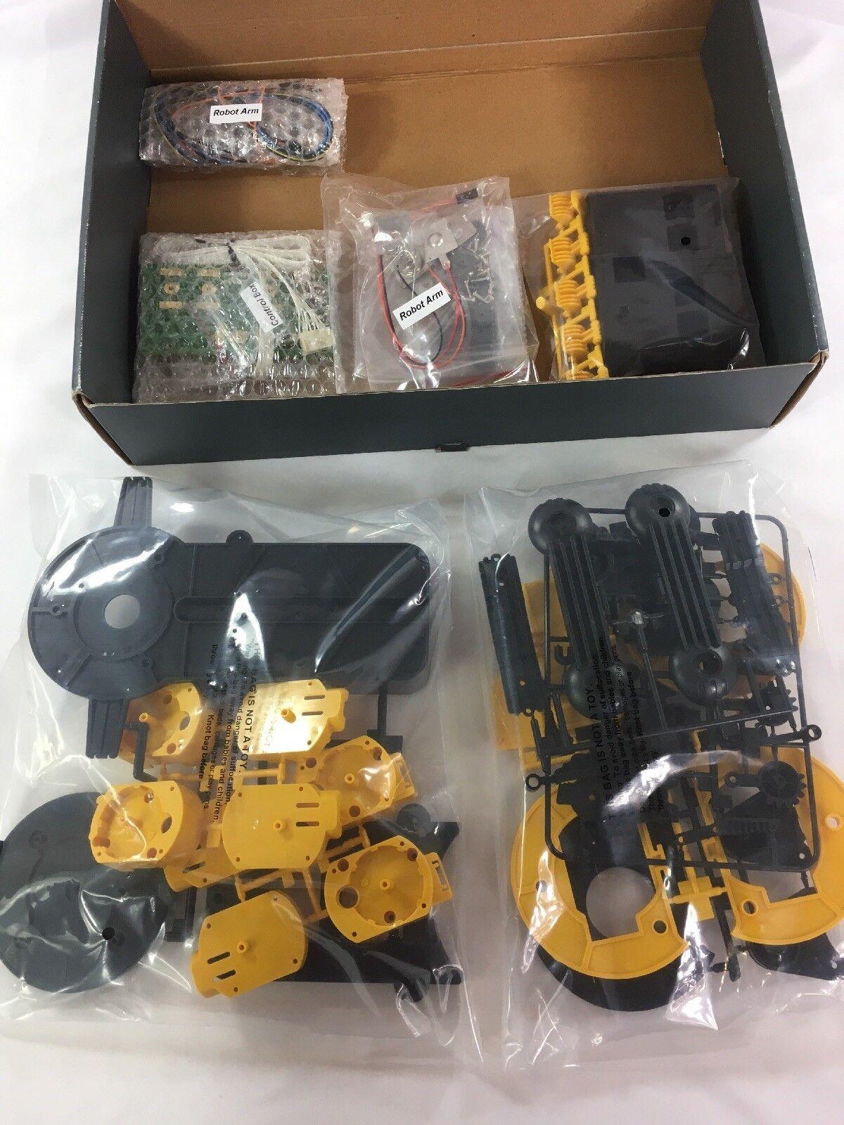 Thumbs Up /[UK-Import/] Robot Arm Build Your Own ROBOTARM B002HXTONC
