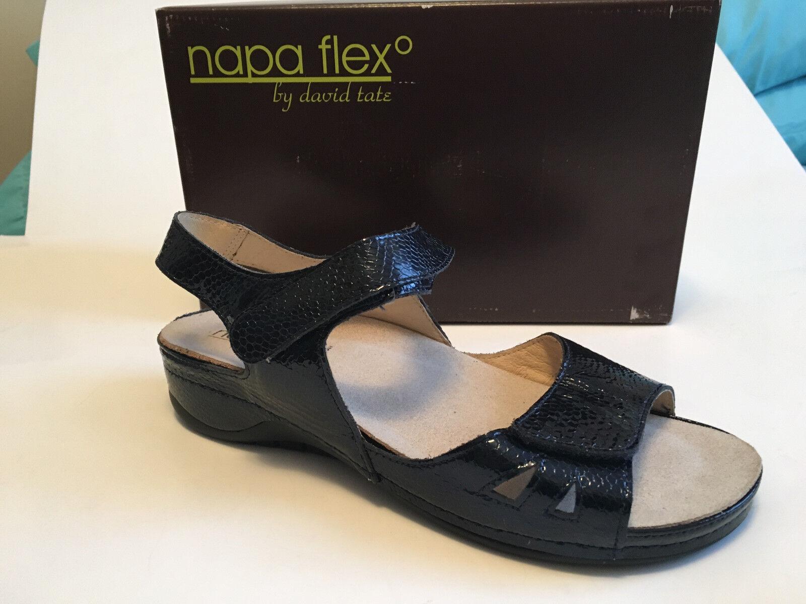 NAPPA FLEX by David Tate women's navy snake print comfort sandals 8.5M EUR39