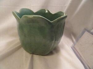 Vintage-Green-Art-Pottery-Tulip-Pot-Jardinere