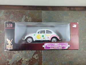 #92079 Road Legends Flower Power 1967 Volkswagen Beetle Die Cast 1:18