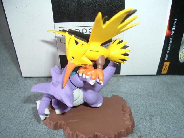 Pokemon Nidoking VS Zapdos Ceramic Figure Diorama set New