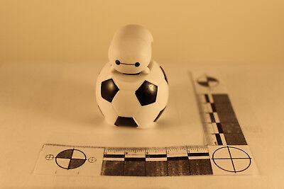 Disney vinyl Tsum Tsum mystery pack Series 2 Medium Baymax with Soccer Ball #259