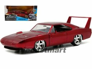 Dodge-Charger-Daytona-1969-se-reunieron-Rojo-F-amp-f-7-1-24-modelo-de-coche