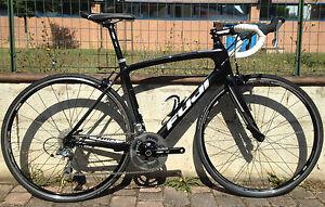 Bici-corsa-carbonio-Fuji-Granfondo-2-7-two-Shimano-Tiagra-10-road-bike-carbon