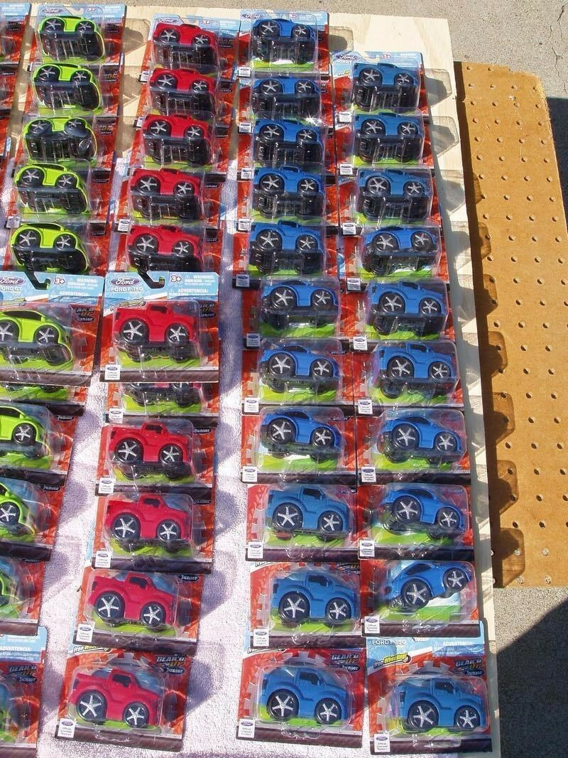 LOT of 91 GEAR'D UP JUNIOR FREEWHEELING FREEWHEELING FREEWHEELING TOY CARS FORD GT F-150 FIESTA NEW NIB 4c71da