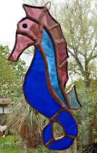 HAND-CRAFTED-REAL-STAINED-GLASS-SEAHORSE-SUN-CATCHER-15cm-Approx
